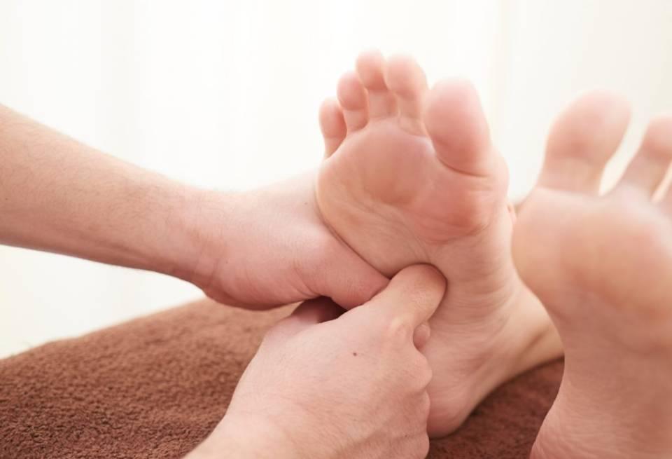 靴のやまごん:足揉み・若石健康法/官足法